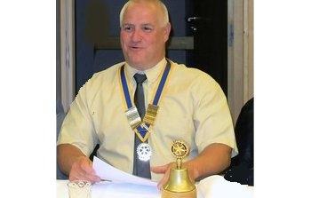 Patrick, le nouveau Président avec le collier